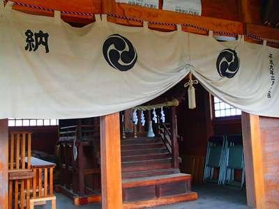 埼玉県中曽根香取御嶽神社の本殿