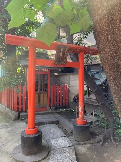 銀杏岡八幡神社の末社