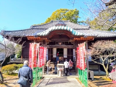 東岳山 長久寺の本殿