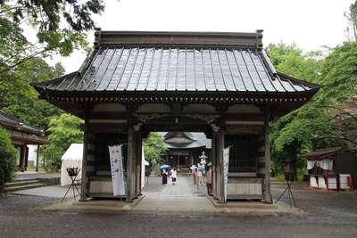 山梨県冨士御室浅間神社の山門