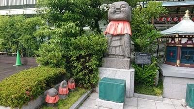 東京都三囲神社の写真