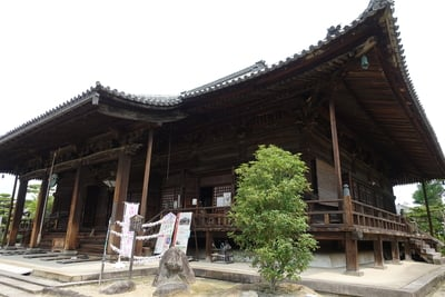 西大寺の本殿