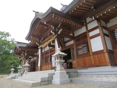 鶴崎神社の本殿