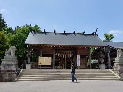福島県開成山大神宮の山門