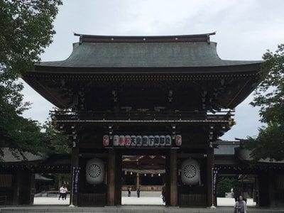 寒川神社の山門