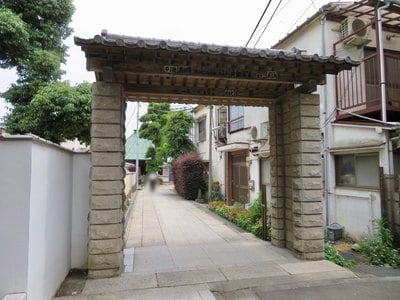 東京都東光寺の山門