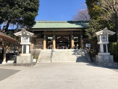 東郷神社の山門