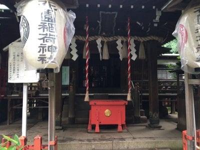 東京都花園稲荷神社の本殿