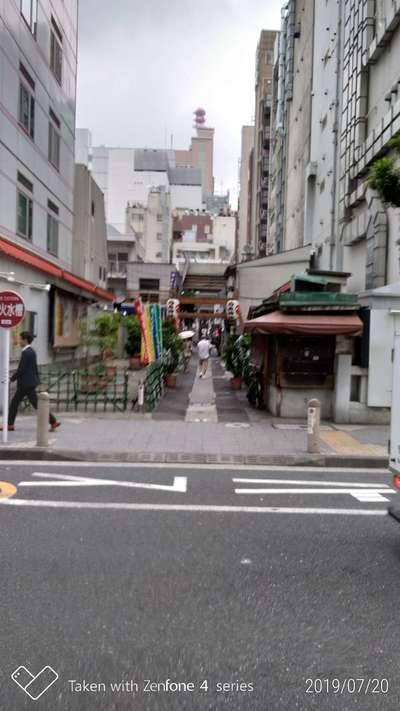烏森神社の周辺