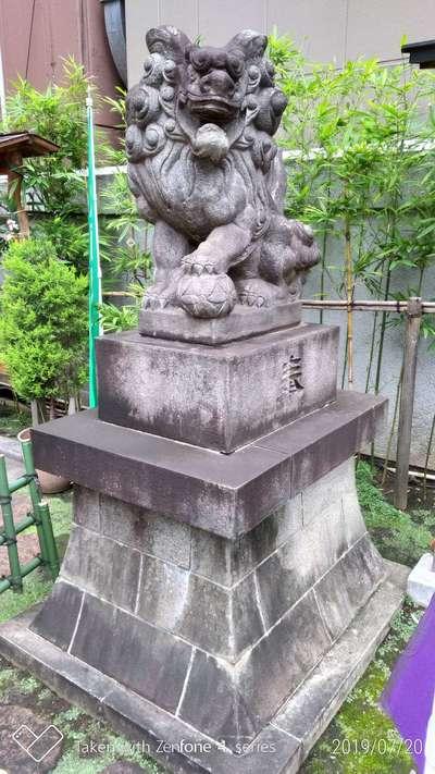 烏森神社の狛犬