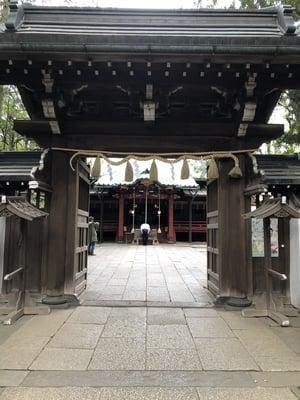 赤坂氷川神社の山門