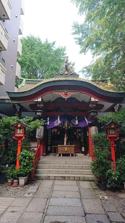 三崎稲荷神社の本殿