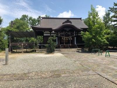 山梨県御崎神社の本殿