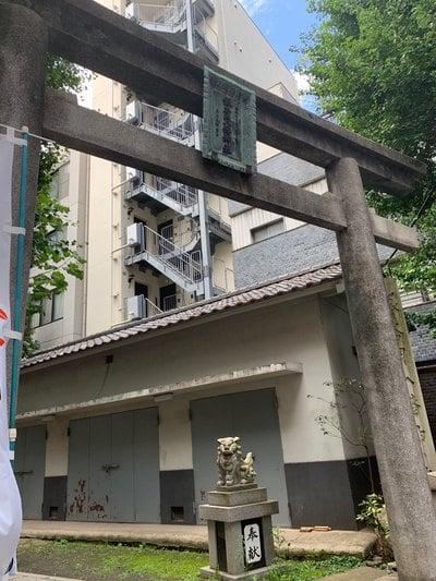 銀杏岡八幡神社の鳥居