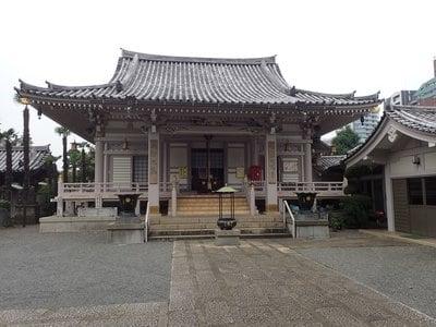 荘厳寺の本殿