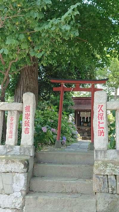 吾妻神社の鳥居