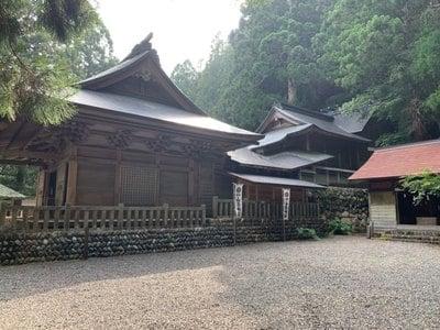 山住神社の本殿