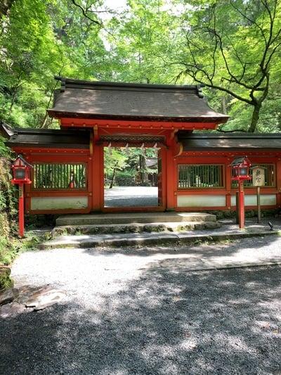 京都府貴船神社の山門