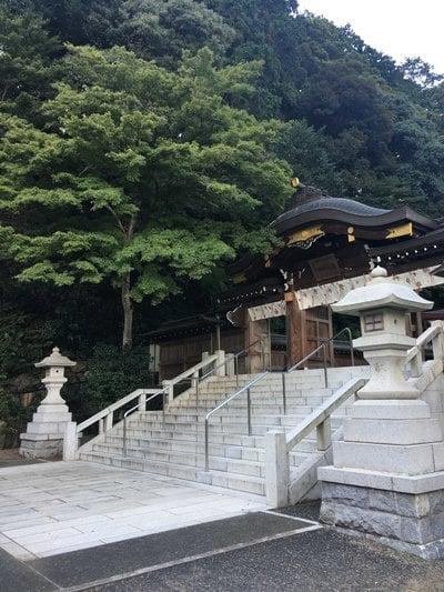 高麗神社の本殿