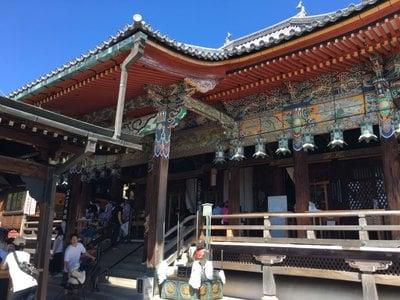 中山寺の本殿