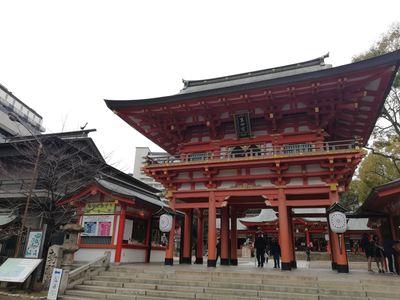兵庫県生田神社の山門