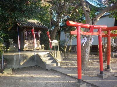 諏訪神社の末社