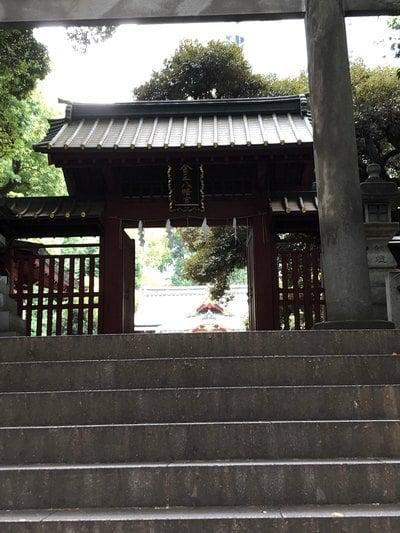 東京都金王八幡宮の山門