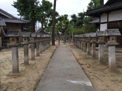 鴨高田神社の建物その他