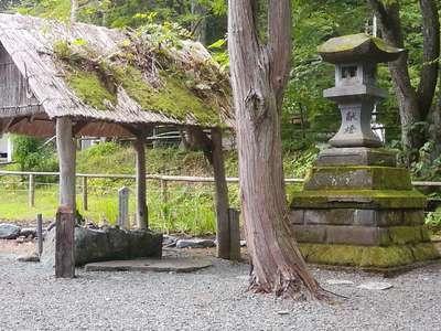 義經神社の建物その他
