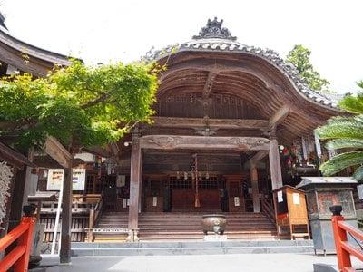 岩水寺の本殿