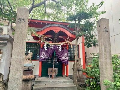 西出鎮守稲荷神社の本殿