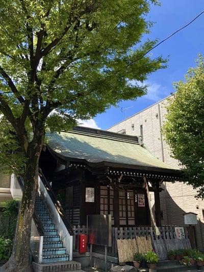 甘酒稲荷神社の本殿