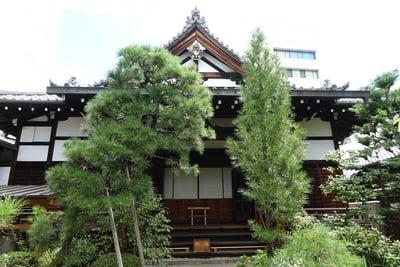 宝蔵寺の本殿