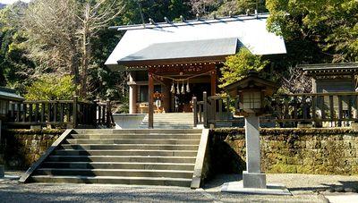 安房神社の本殿