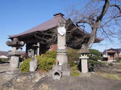 龍石寺の本殿