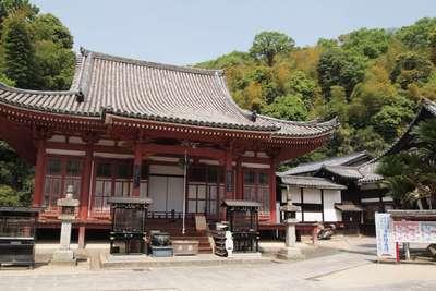 明王院の本殿