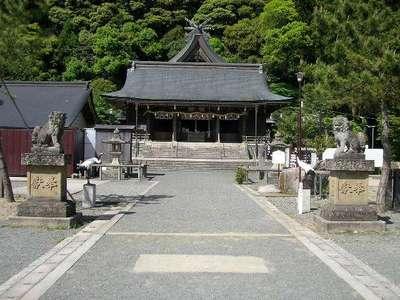 物部神社の本殿