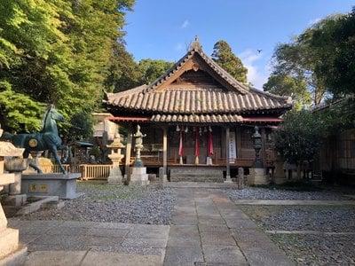 厳原八幡宮神社の本殿
