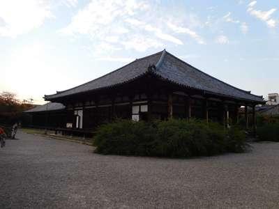 元興寺の本殿