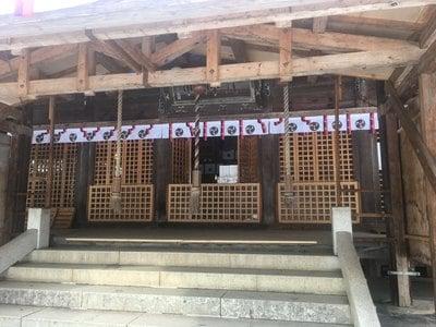 天津神社の本殿