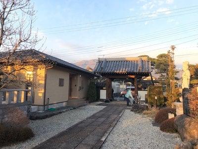 法源寺の山門