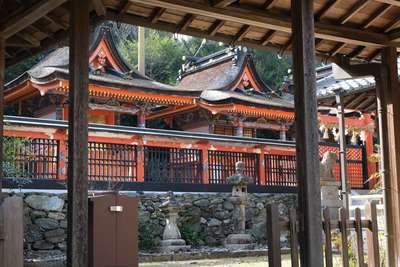 丹生官省符神社の本殿