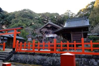 龍田大社の本殿