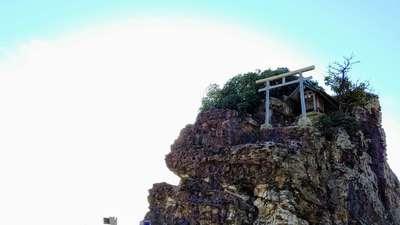 稲佐の浜 弁天島(島根県)