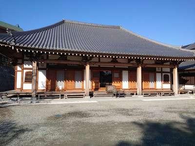 泉蔵寺の本殿