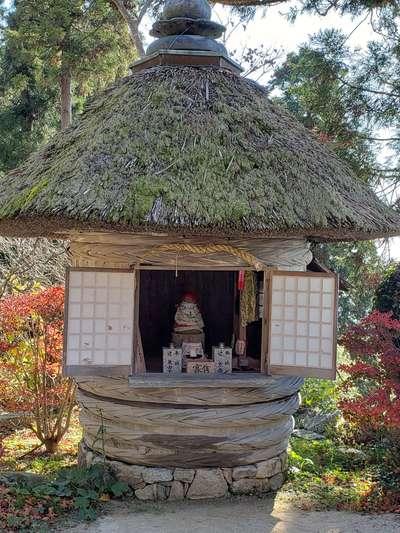 観音正寺の本殿