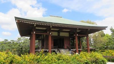 中宮寺の本殿