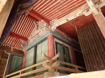 興神社の本殿