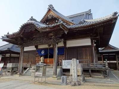 長尾寺の本殿