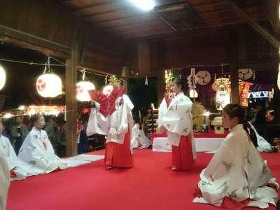 挙母神社の神楽